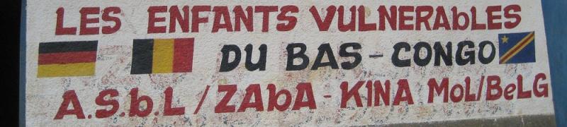 LA MARINE BELGE VIENT EN AIDE AUX ORPHELINS DE BOMA AU CONGO De4a0010