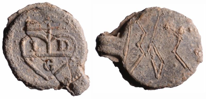 Aux initiales L.D.G. D268010