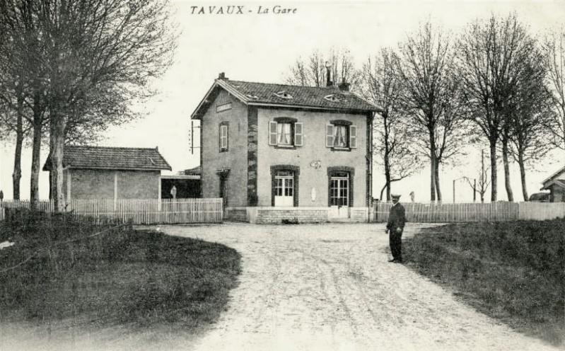 m) Gare de Tavaux  (antérieur à la compagnie des chemins de fer de Paris à Lyon) Tavaux10