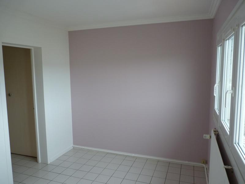 Conseil pour repeindre une chambre adulte P1080111