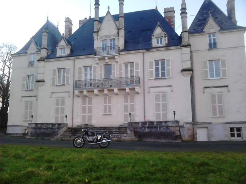 Photos de vous et de votre moto devant ....un château  - Page 3 Dsc_0013