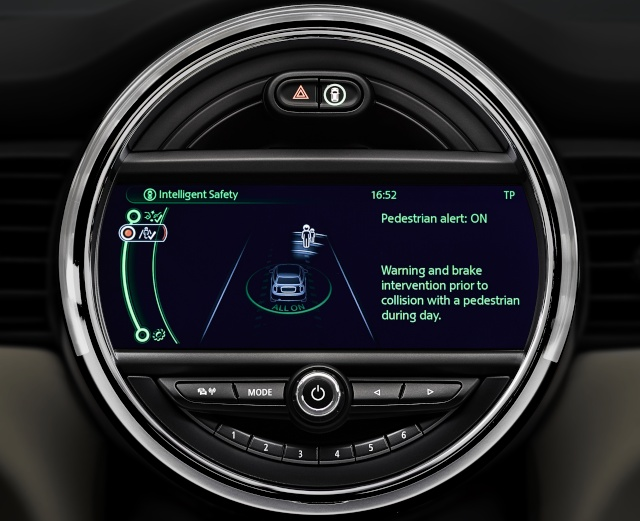 The new MINI driver assist systems P9013514