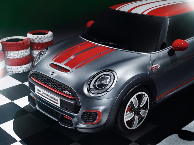 Setting its sights on pole position: The MINI John Cooper Works Concept P9014016