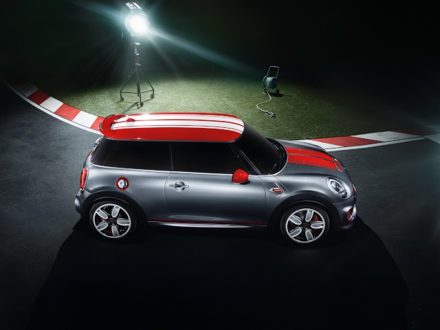 Setting its sights on pole position: The MINI John Cooper Works Concept P9014018