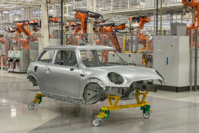 BMW Group to build new MINI Hatch also at VDL Nedcar P9014311