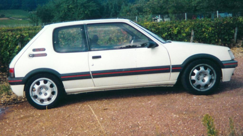 [ducatis4r]  205 GTI 1L6 - 1600 - BLANC MEIJE - 1988 - Page 19 205_gt10
