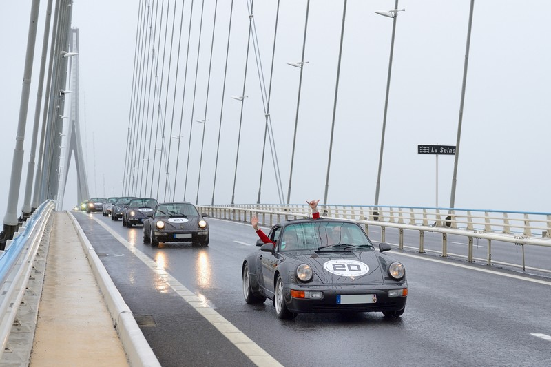 50TH 911 * 50 Porsche 911 sur le pont de Normandie - Page 3 Seine10