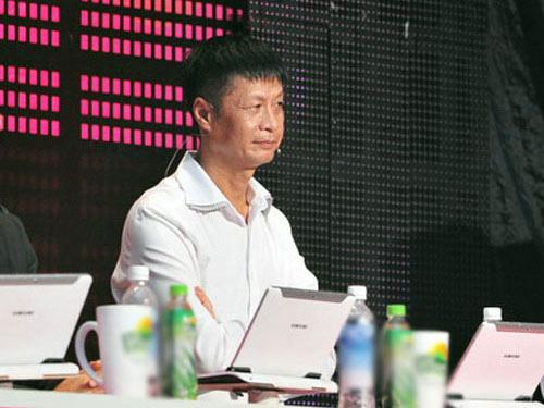 Những người nổi tiếng trong giới showbiz qua ngòi bút Lê Hoàng - Page 2 De1e5b10