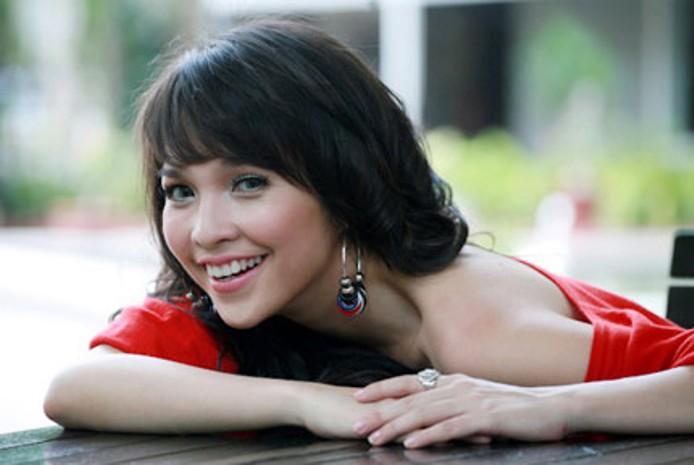 Những người nổi tiếng trong giới showbiz qua ngòi bút Lê Hoàng Hien-t11