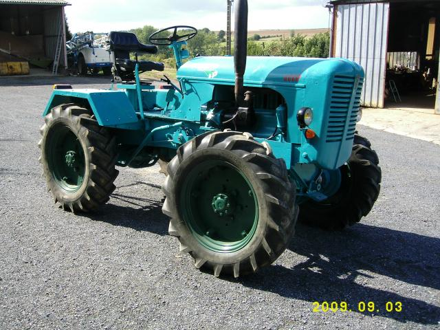 Petits tracteurs 4 roues motrices Tracte10