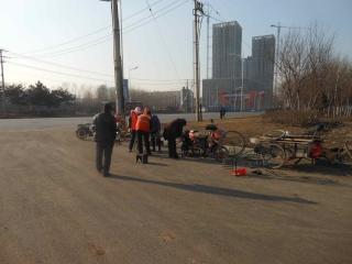 Mars 2013 en Chine (5) : La pollution  atmosphérique des villes de Nord-Est, les services ambulants dans la rue Dscn7212