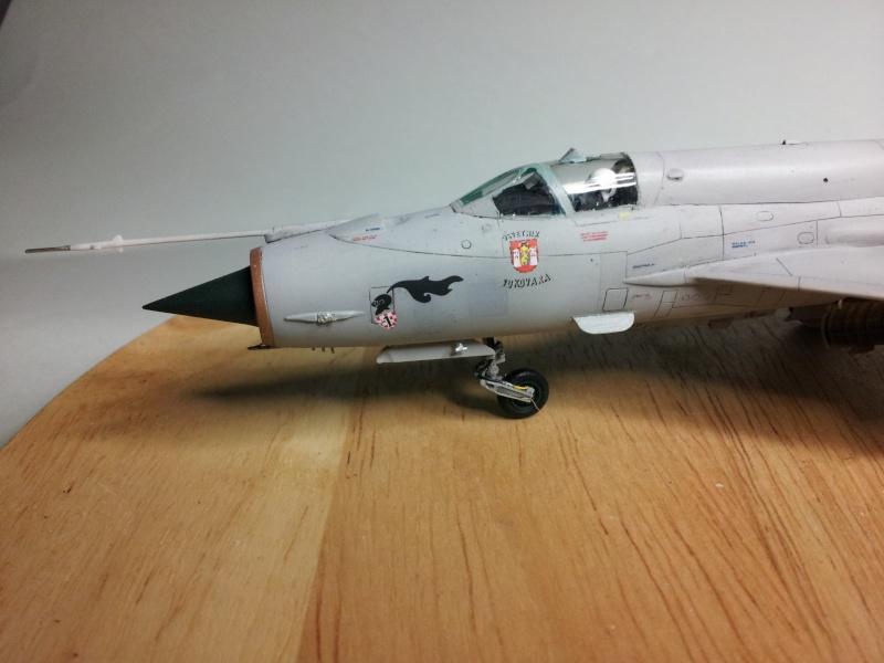Mig-21 Bis (Fujimi + décals BALKAN MODELS BM-7205 + Ze-Ro DECALS 72003, 1/72) 20131125