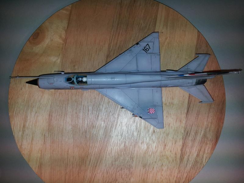 Mig-21 Bis (Fujimi + décals BALKAN MODELS BM-7205 + Ze-Ro DECALS 72003, 1/72) 20131127