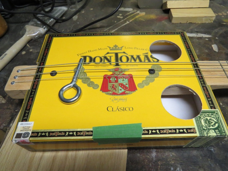 Cigar box guitare Img_1618