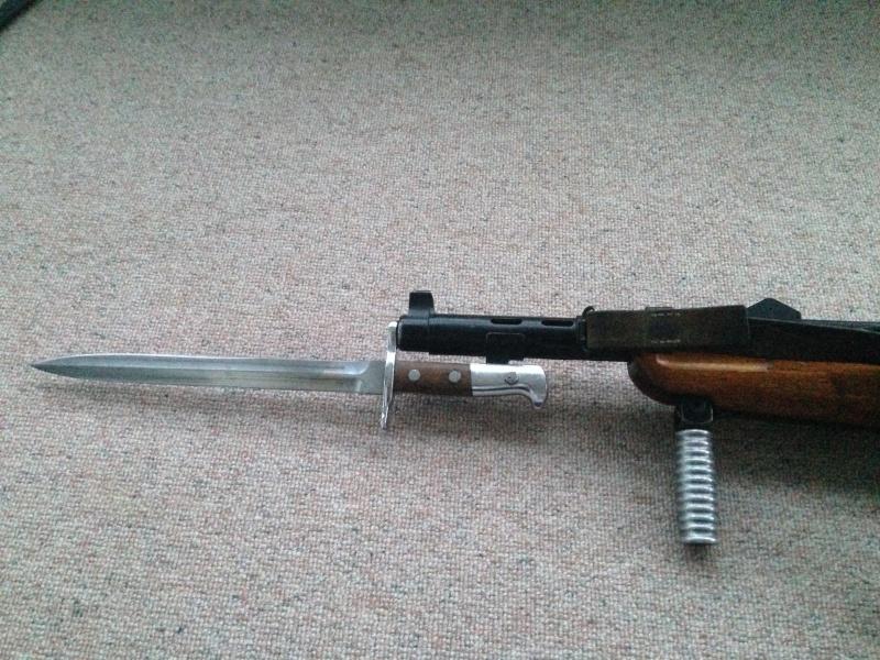 Pistolet-mitrailleur 41/44 Img_0223