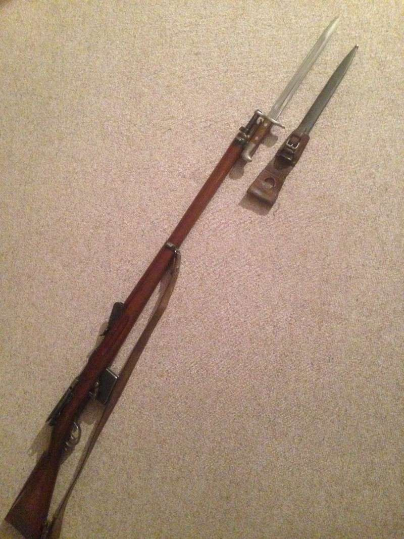 Quelques baïonnettes montées sur leurs armes Img_0636