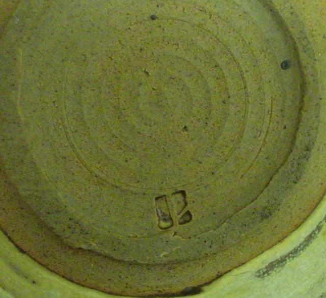 Pottery Bowl ID, il mark Dscf3314
