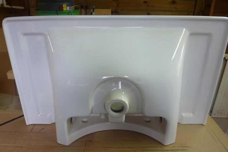 Meubles de salle de bain en robinier - Page 3 Dessou12