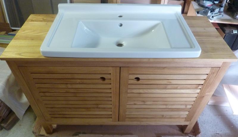Meubles de salle de bain en robinier - Page 3 Face10