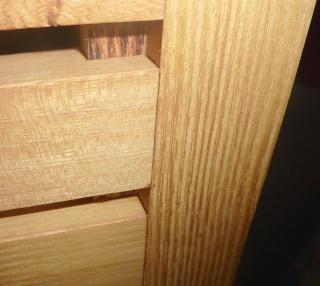 Meubles de salle de bain en robinier - Page 4 Porte_11