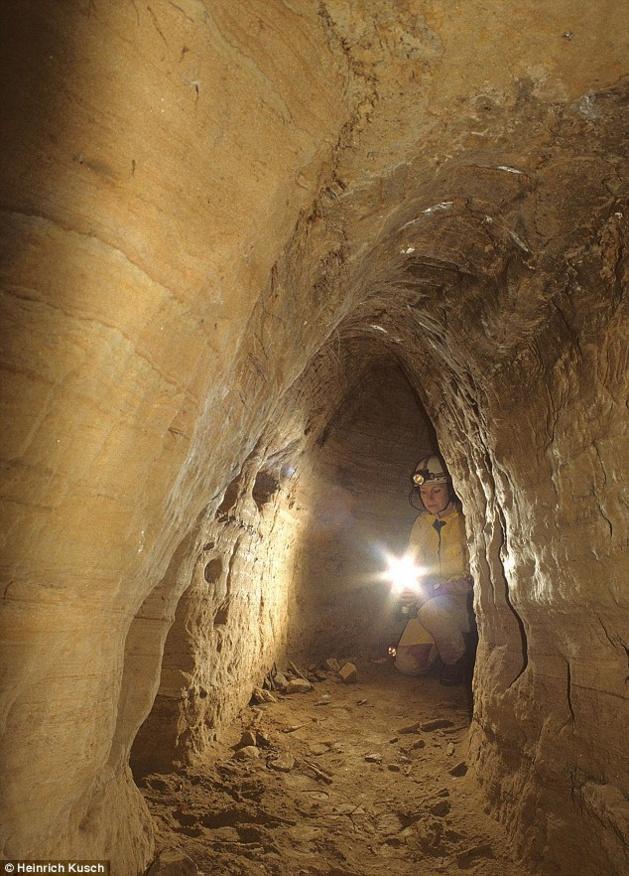 Curieux non ?Un réseau européen de tunnel de l'âge de pierre qui irait de Écosse à la Turquie ?  Entrae11