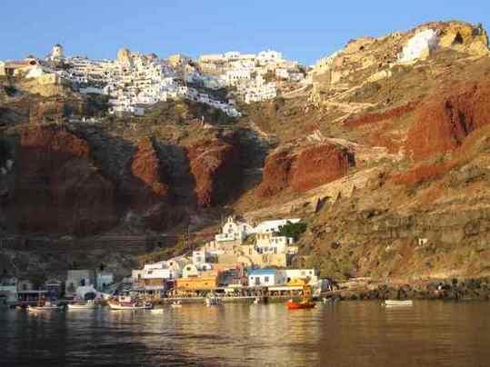 Cadeau : les 100 plus beaux lieux de la planète... Oia_a_10