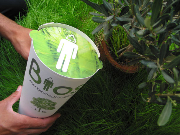 Cette urne funéraire biodégradable fera de vous un arbre après votre décès  Urne210