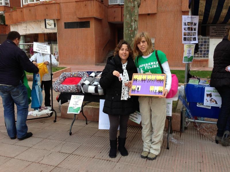 Esperanza Felina en el mercado del Barrio San Martin (Vitoria). 10 de Noviembre de 2013 - Página 3 02513