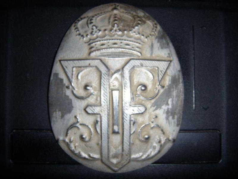 Insigne casque Adrian Roumain Dscn0421
