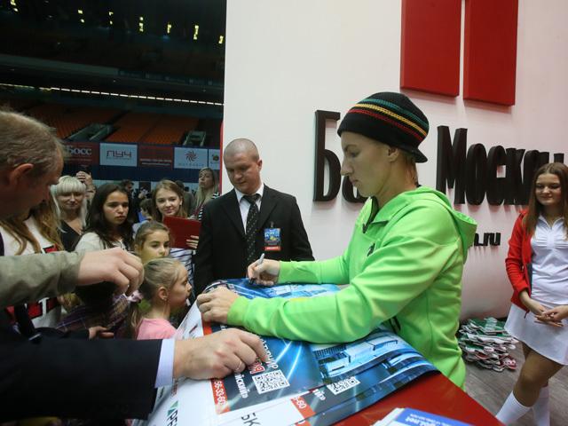 WTA MOSCOU 2013 : infos, photos et vidéos - Page 3 Svetla11