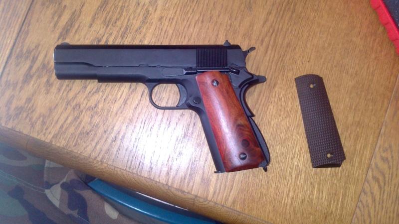 Changement de grip sur Colt 1911 Dsc_0511