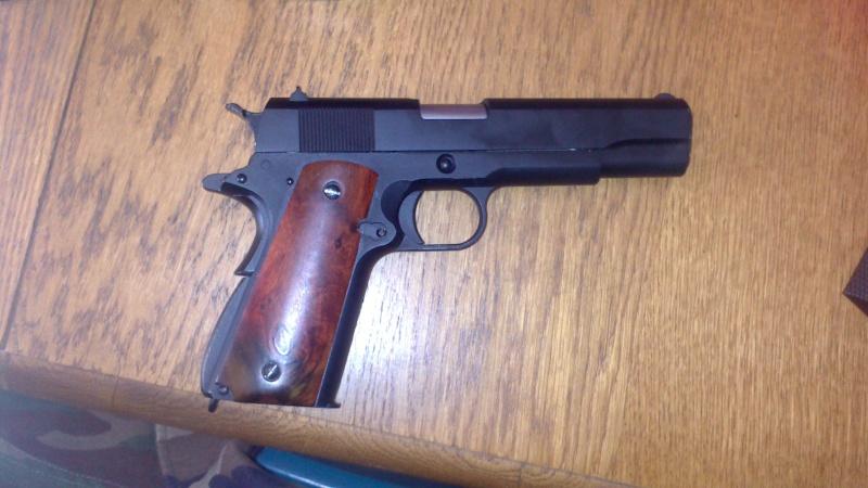 Changement de grip sur Colt 1911 Dsc_0512