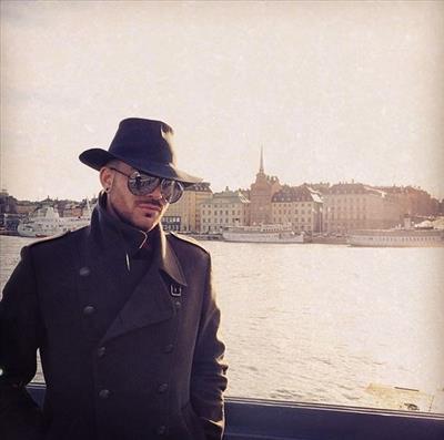 Adam Lambert Daily News & Information Captur17