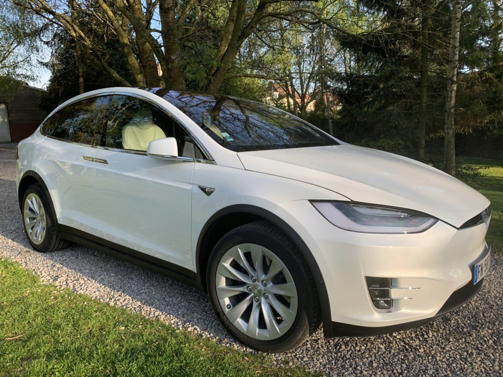 Tesla model X en mode Off Road  1ec7ff10