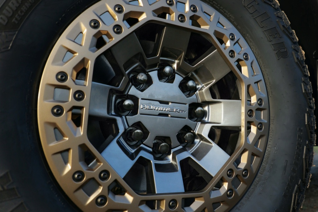 Voilà le nouveau Hummer est arrivé ; GM dévoile le Hummer EV en tant que `` premier supertruck au monde '' pour 112600 $ à partir de 2021 - Page 3 2022-g11