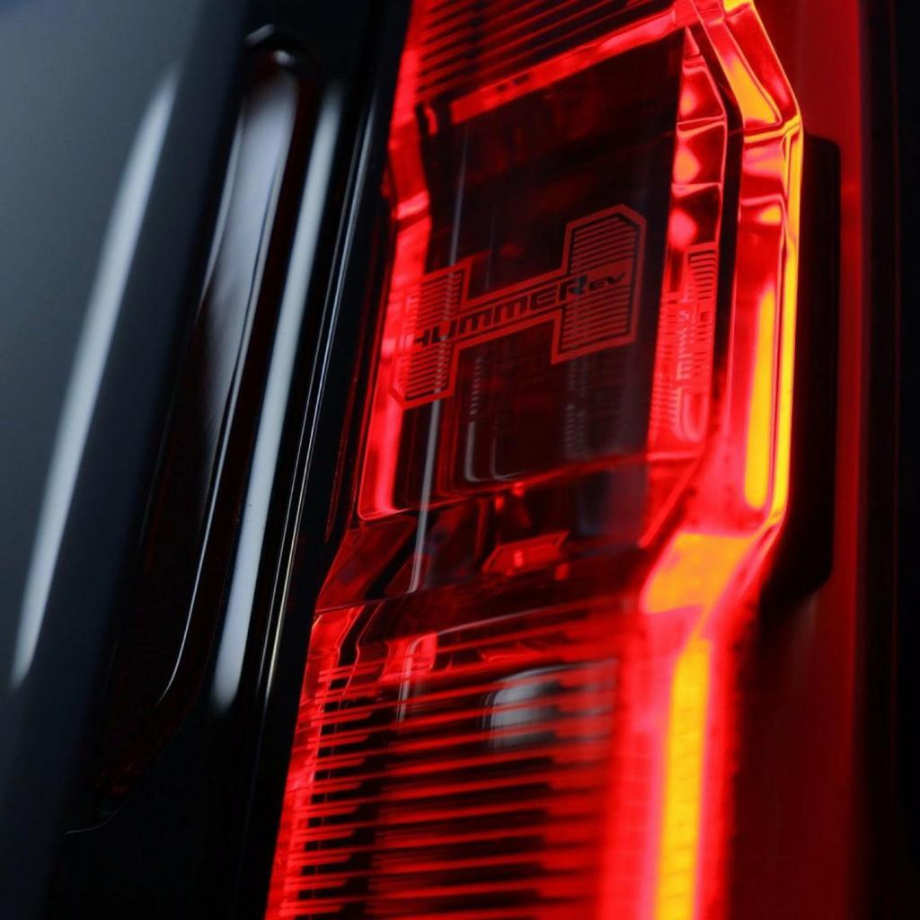 Voilà le nouveau Hummer est arrivé ; GM dévoile le Hummer EV en tant que `` premier supertruck au monde '' pour 112600 $ à partir de 2021 - Page 3 2b643410