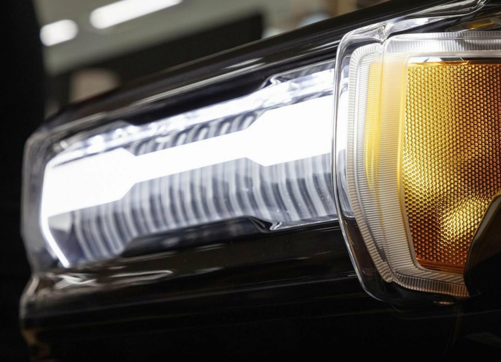 Voilà le nouveau Hummer est arrivé ; GM dévoile le Hummer EV en tant que `` premier supertruck au monde '' pour 112600 $ à partir de 2021 - Page 3 2baded10