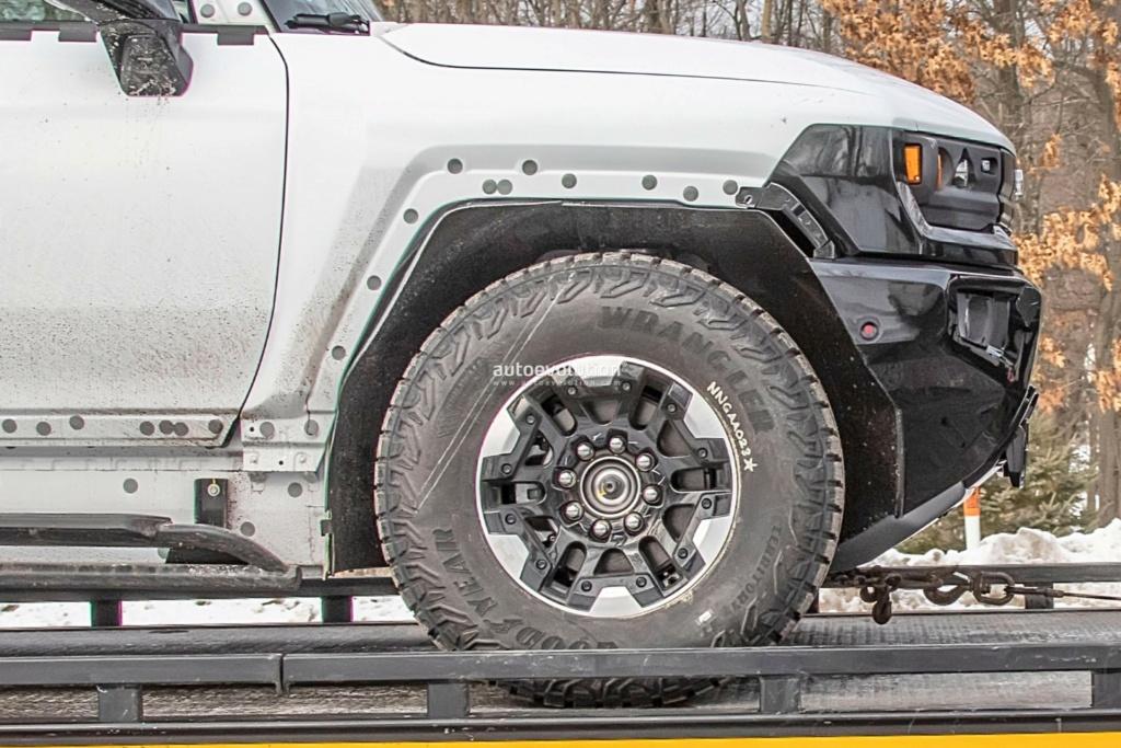 Voilà le nouveau Hummer est arrivé ; GM dévoile le Hummer EV en tant que `` premier supertruck au monde '' pour 112600 $ à partir de 2021 - Page 3 8f442c10
