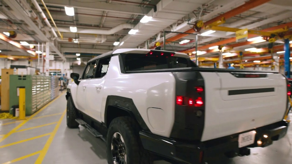 Voilà le nouveau Hummer est arrivé ; GM dévoile le Hummer EV en tant que `` premier supertruck au monde '' pour 112600 $ à partir de 2021 - Page 2 B1276f10