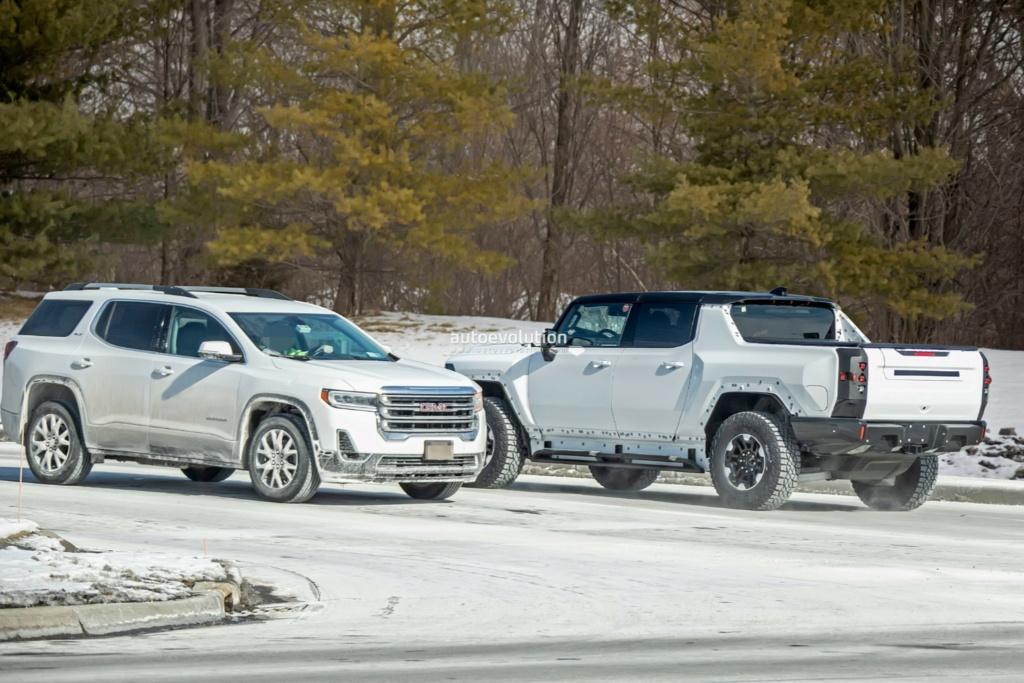 Voilà le nouveau Hummer est arrivé ; GM dévoile le Hummer EV en tant que `` premier supertruck au monde '' pour 112600 $ à partir de 2021 - Page 3 B1ad0b10