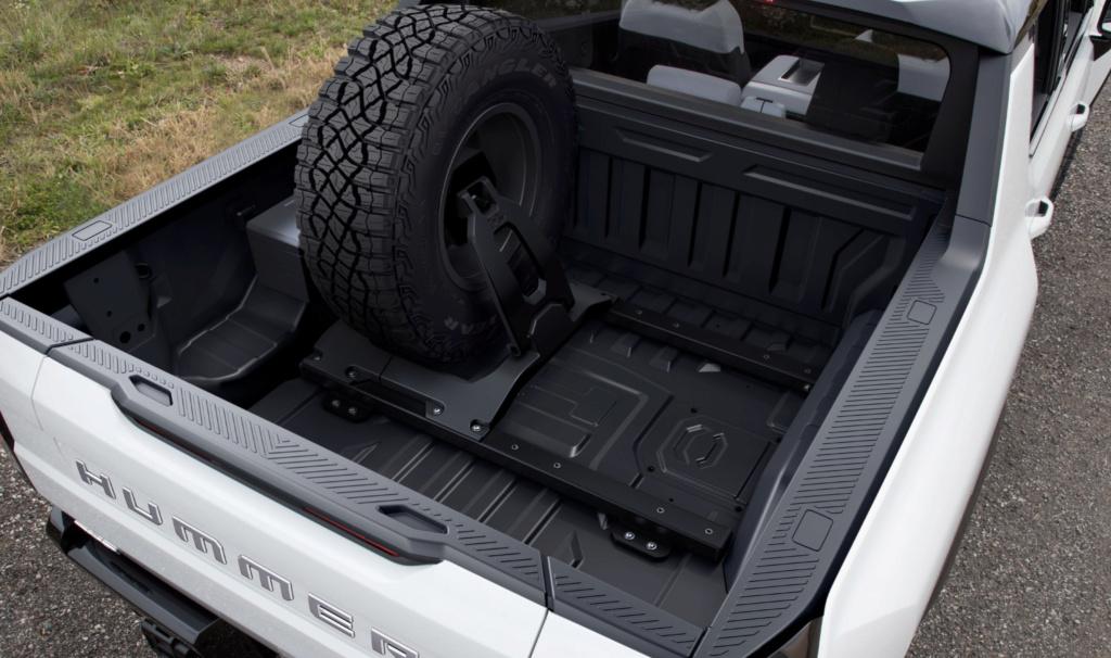 Voilà le nouveau Hummer est arrivé ; GM dévoile le Hummer EV en tant que `` premier supertruck au monde '' pour 112600 $ à partir de 2021 - Page 8 Captur21