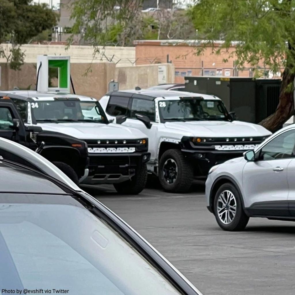 Voilà le nouveau Hummer est arrivé ; GM dévoile le Hummer EV en tant que `` premier supertruck au monde '' pour 112600 $ à partir de 2021 - Page 6 Cc5fa210