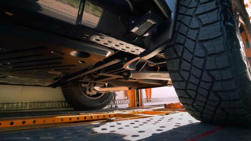 Voilà le nouveau Hummer est arrivé ; GM dévoile le Hummer EV en tant que `` premier supertruck au monde '' pour 112600 $ à partir de 2021 - Page 4 Cdf07e10