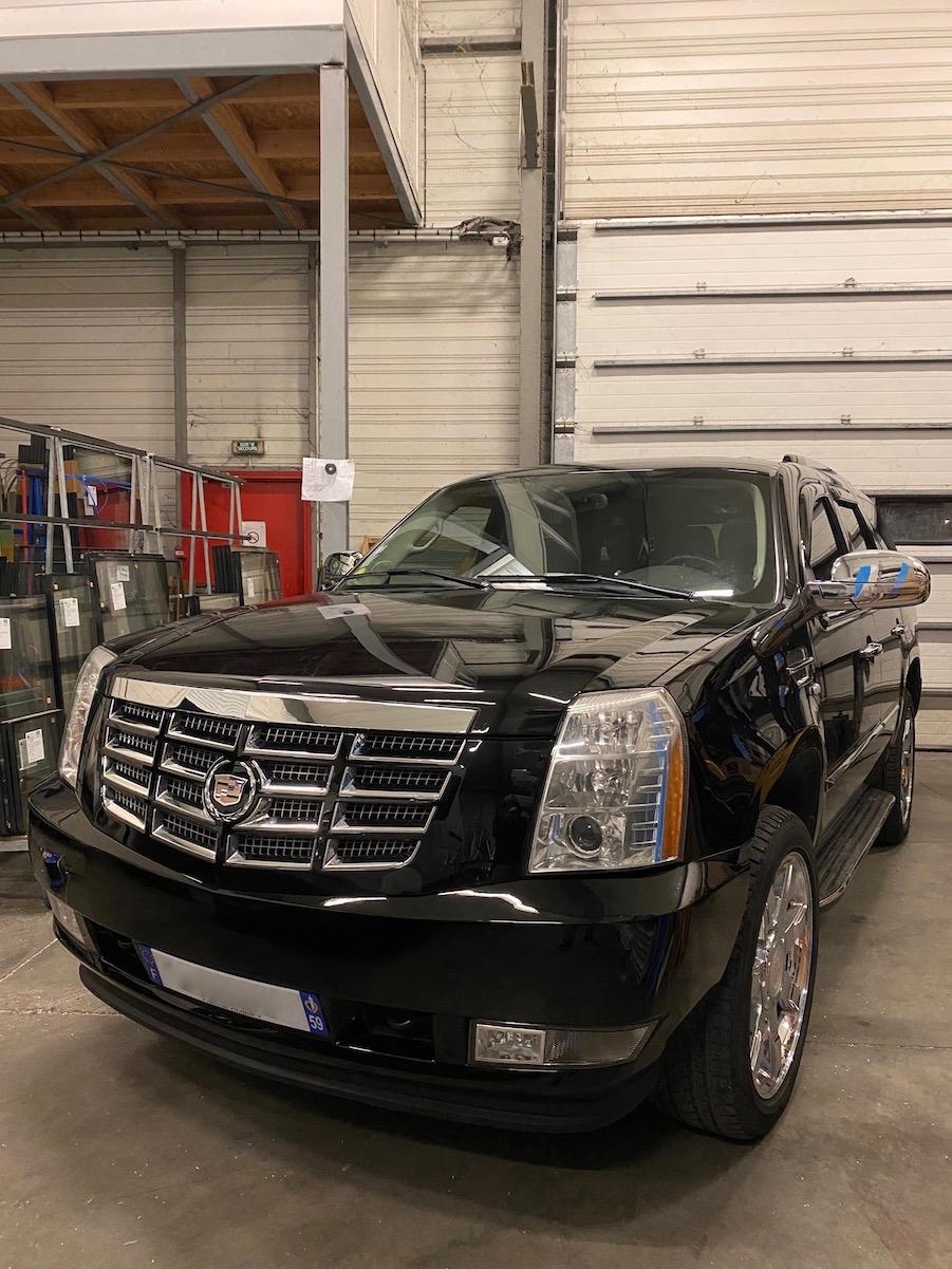 Cadillac Escalade  Img_3118