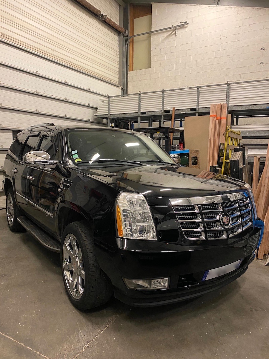 Cadillac Escalade  Img_3119