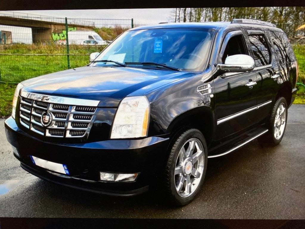 Cadillac Escalade  Img_3120