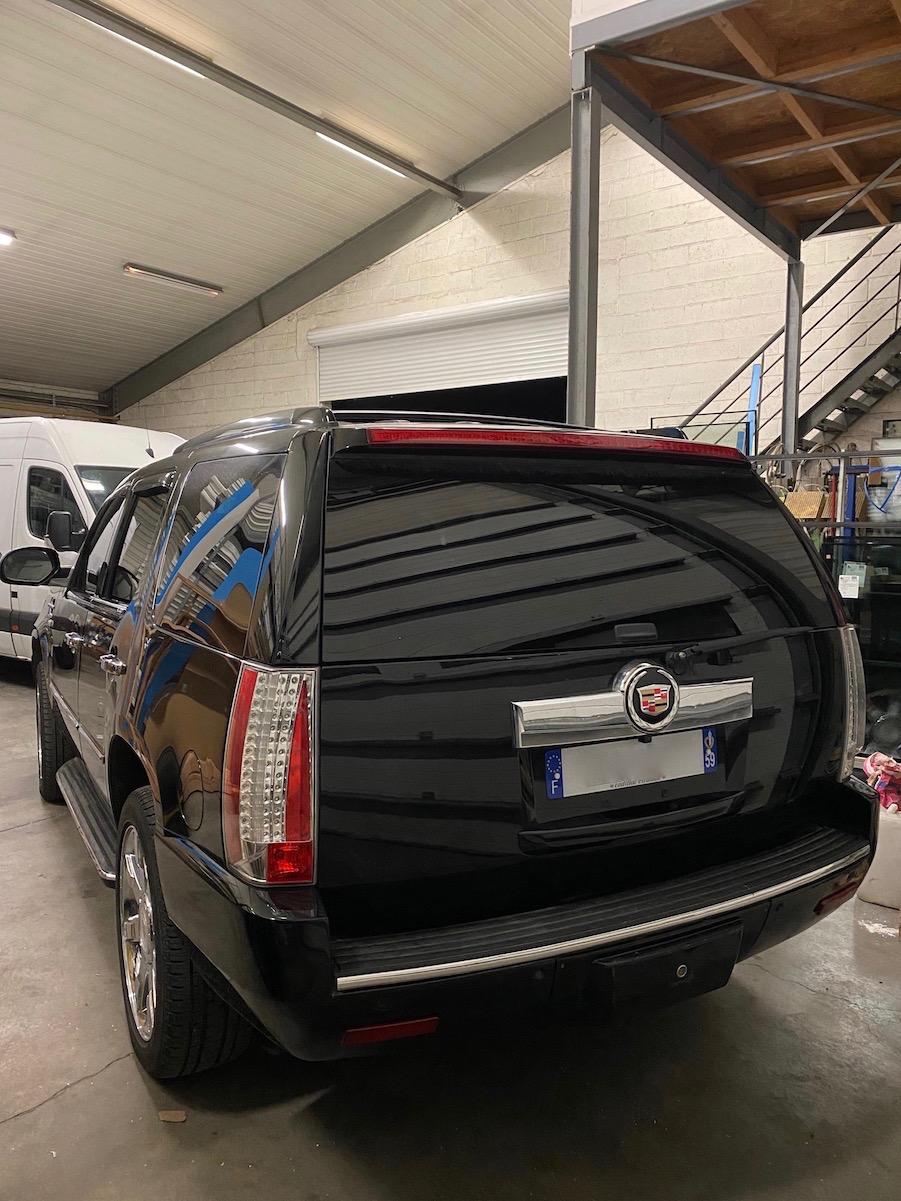 Cadillac Escalade  Img_3121