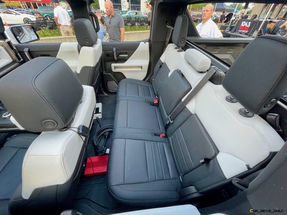 Voilà le nouveau Hummer est arrivé ; GM dévoile le Hummer EV en tant que `` premier supertruck au monde '' pour 112600 $ à partir de 2021 - Page 9 Img_9213