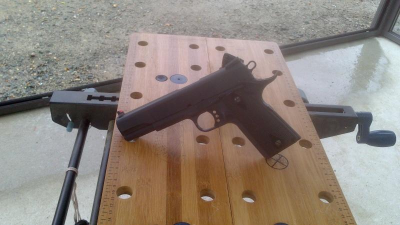 Besoin d'aide sur un smith and Wesson 1911 Dsc_0025