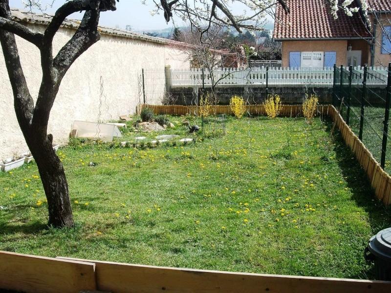 Trop d'herbe dans l'enclos? Dscf7613